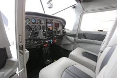 Boss 182 Interior and Avionics