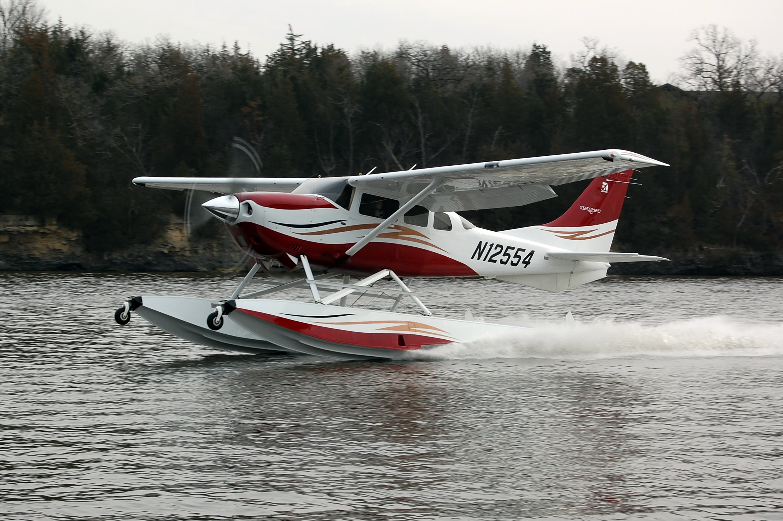 Cessna 206 on Wipline 3450 Floats