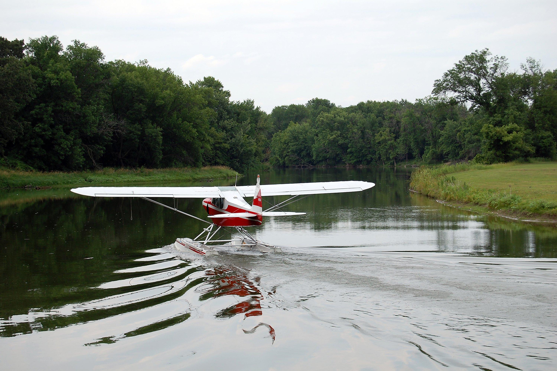 Super Cub on Wipline 2100 Floats