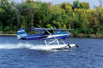Cessna 170 on Wipline 2100 Floats