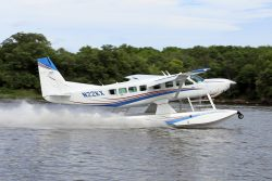 Image of a Cessna Grand Caravan on Wipline 8750 Floats