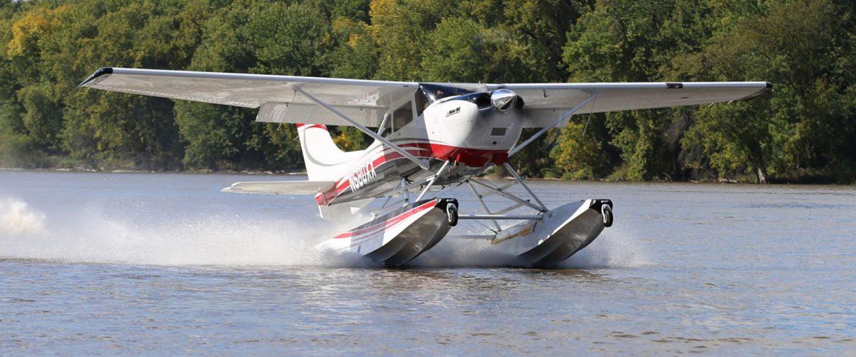 Boss 182 Amphibious Seaplane on Wipline 3000 Floats On Step