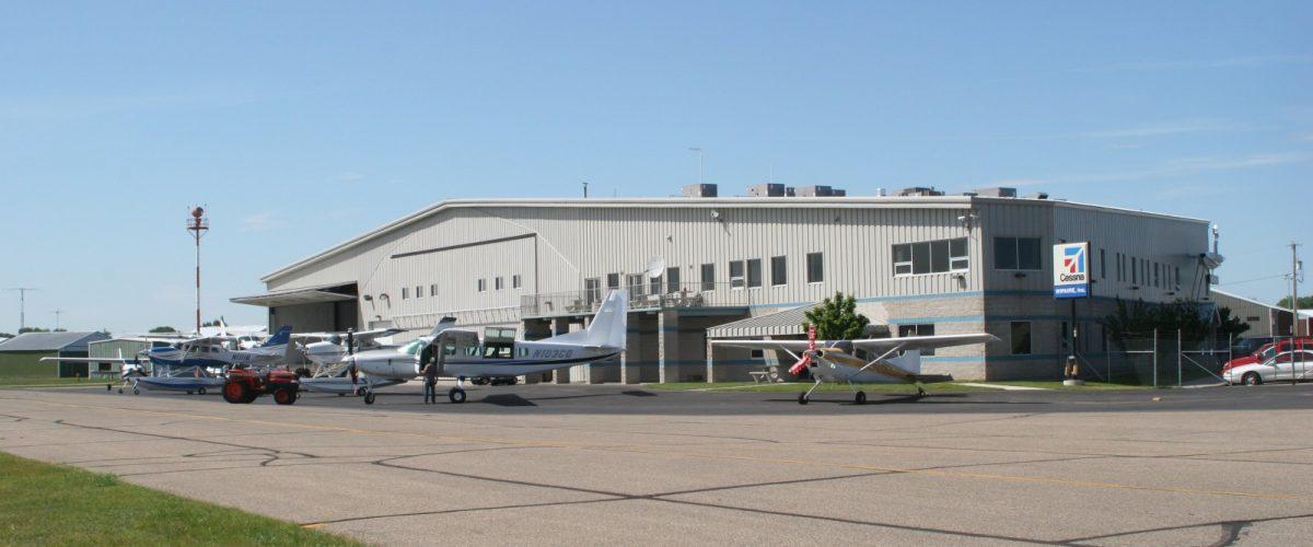Hangar_1_20060609_229