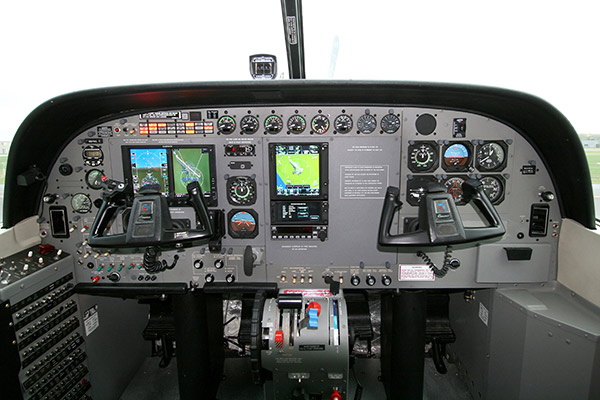 Cessna-Caravan-With-Garmin-G600-Installed-by-Wipaire-slideshow